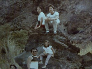 We needed to rest after the long hike..foot of Mayon volcano...papa on my right, mama's the one sitted at lower right, my cuz on top..