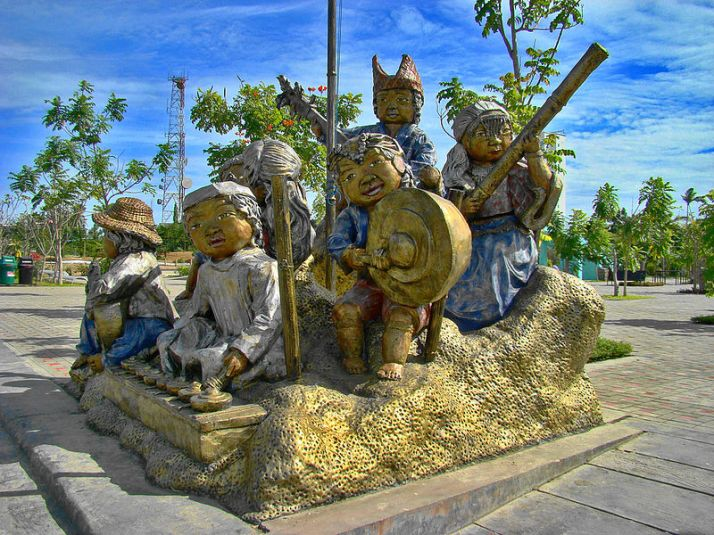 800px-People's_Park,_Davao_City