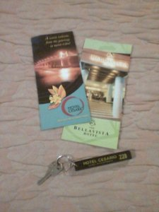 My hotel keys! As if I'm goin' out. I stayed there for the longest as long as I'm in fron of the tv watching Lifestyle Network. (--,)