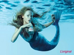 My most favorite Evian ad. As it literally hydrates the skin, it feels like you're in it! (--,)