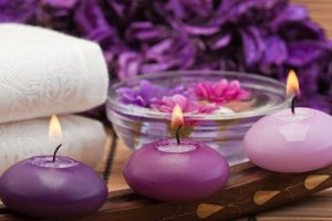 Courtesy of: http://healthsciencedegree.info/spa-candles-and-flowers/