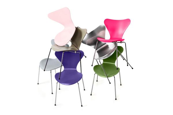 Decon-Fritz-Hansen-Series-7-Chairs-2-600x399