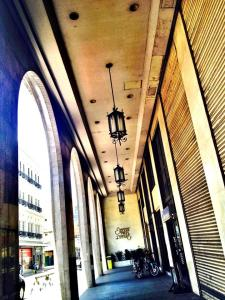 Escolta Towers... Awed by the antique lanterns..