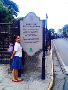 We're tempted to go left and visit Intramuros. However, I still have a mission to accomplish.