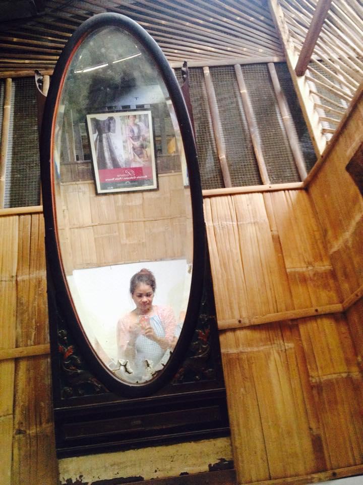 loo mirror