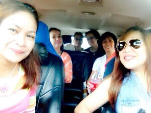 Chel to drive with 5 back-seat drivers!Lol!