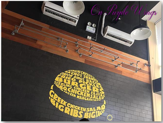 mural burger